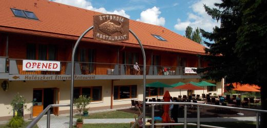 Hotel Halászkert