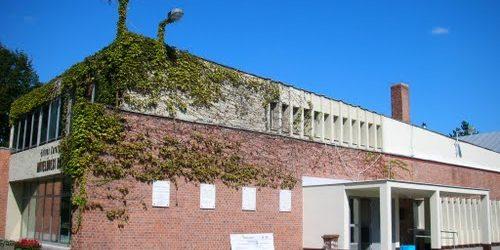 Eötvös Károly Művelődési Ház és Könyvtár