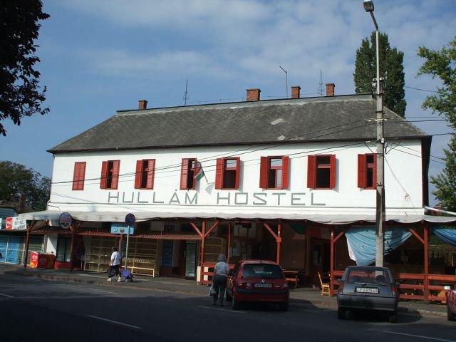 Hullám Hostel
