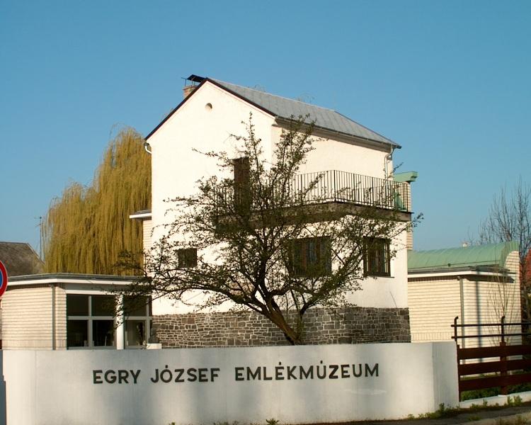Megnyitotta kapuit a Balaton festőjének múzeuma