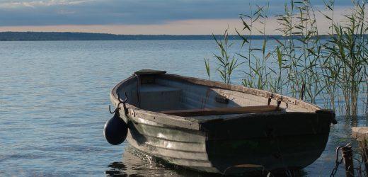 Újra lehet csónakból horgászni a Balatonban