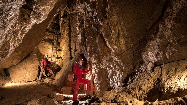 Gyermeknapon kedvezményes látogatás a Csodabogyós-barlangban